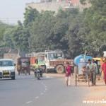 Traffic, workers, New Delhi, road