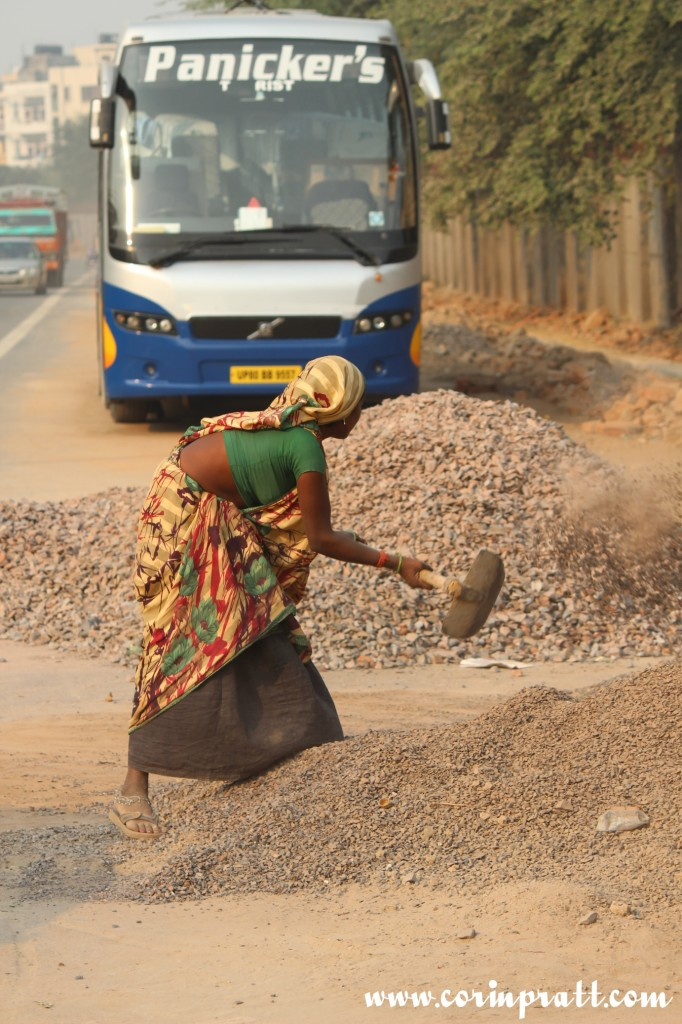 Worker, woman, New Delhi, road