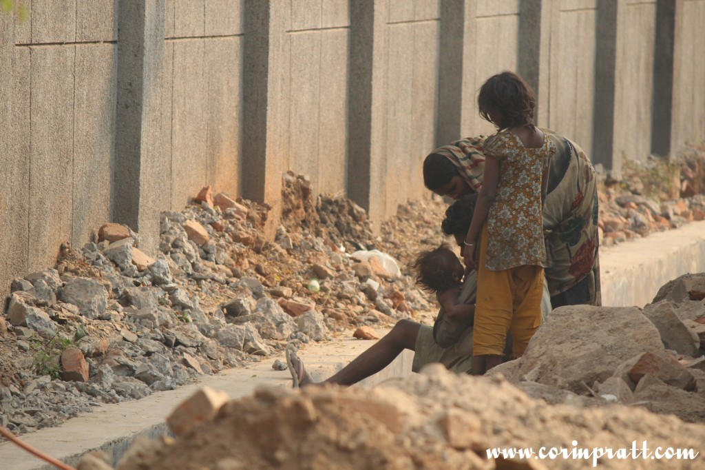 Family, workers, New Delhi, road